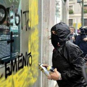 O eylemci kriz çıkardı !